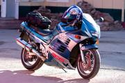 Продам Suzuki RF900R